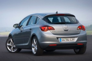Car Reviews | Opel Astra five-door | CompleteCar.ie