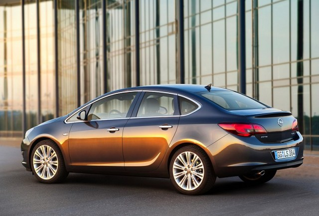 Car Reviews | Opel Astra saloon | CompleteCar.ie