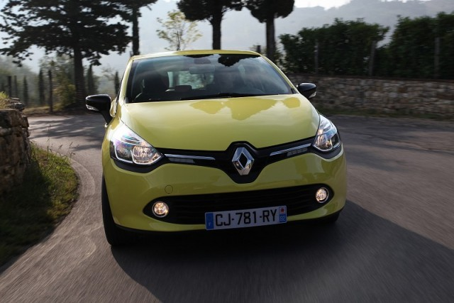 Car Reviews | Renault Clio | CompleteCar.ie