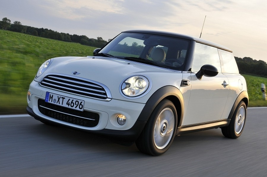 Car Reviews | MINI Hatch | CompleteCar.ie