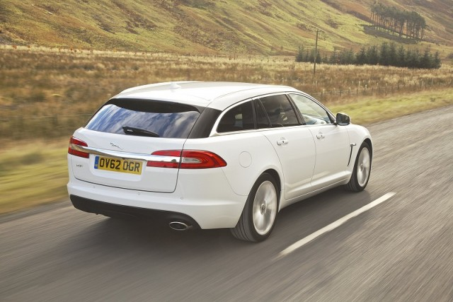 Car Reviews | Jaguar XF Sportbrake | CompleteCar.ie