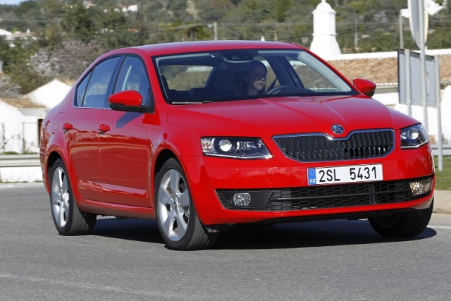 Car Reviews | Skoda Octavia | CompleteCar.ie