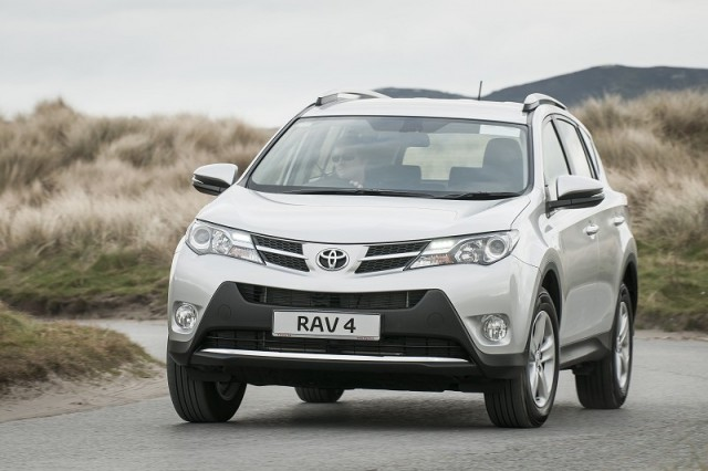 Car Reviews | Toyota RAV4 | CompleteCar.ie