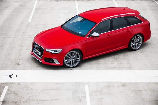 Car Reviews | Audi RS 6 Avant | CompleteCar.ie