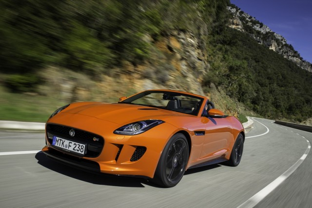 Car Reviews | Jaguar F-Type V8 S | CompleteCar.ie