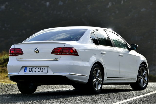 Car Reviews | Volkswagen Passat Edition-R | CompleteCar.ie