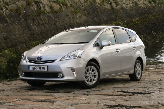Car Reviews | Toyota Prius+ | CompleteCar.ie