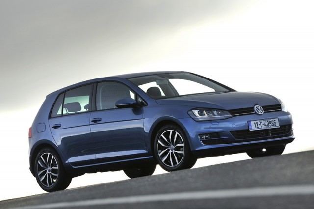 Car Reviews | Volkswagen Golf | CompleteCar.ie