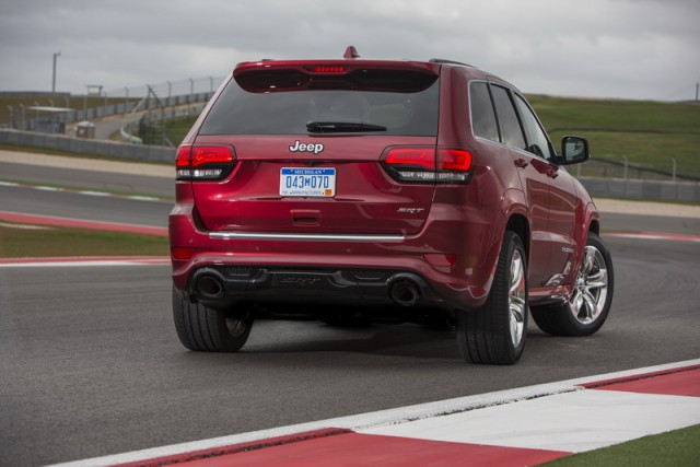 Car Reviews | Jeep Grand Cherokee SRT | CompleteCar.ie