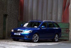 Car Reviews | Skoda Octavia Combi RS | CompleteCar.ie