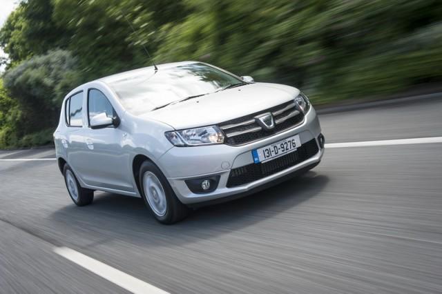 Car Reviews | Dacia Sandero | CompleteCar.ie
