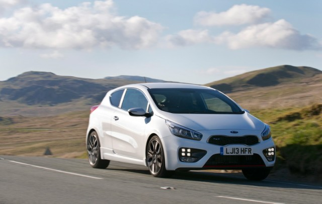 Car Reviews | Kia pro_ceed GT | CompleteCar.ie