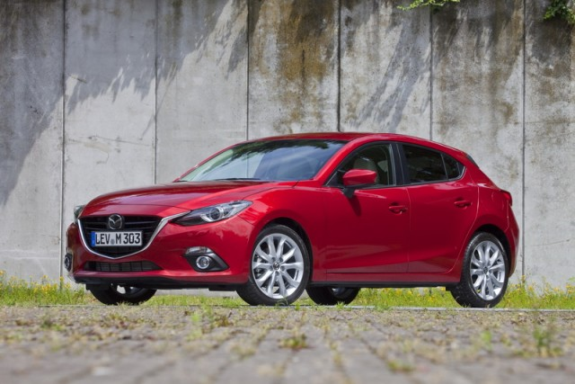 ... Mazda 3 Hatchback (pre Production) ...