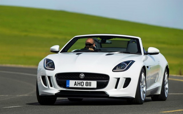 Car Reviews | Jaguar F-Type V6 | CompleteCar.ie