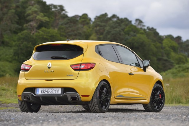 Car Reviews | Renault Clio Renaultsport 200 Turbo | CompleteCar.ie