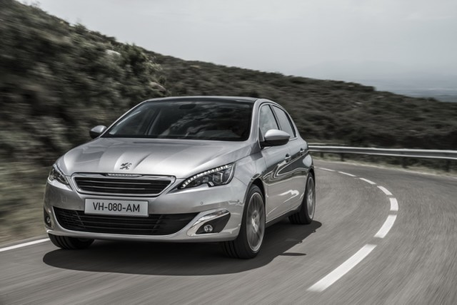 Car Reviews | Peugeot 308 | CompleteCar.ie
