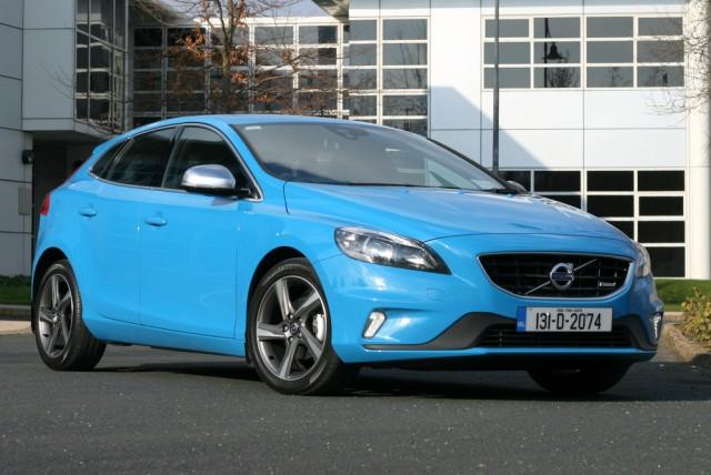 Car Reviews | Volvo V40 R-Design | CompleteCar.ie