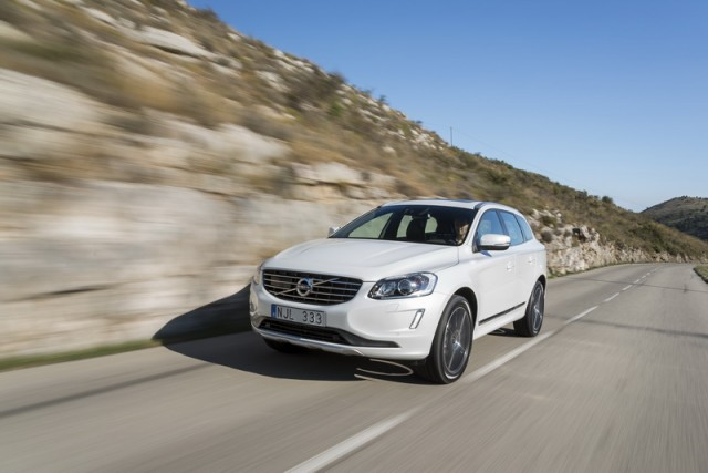Car Reviews | Volvo XC60 T6 | CompleteCar.ie