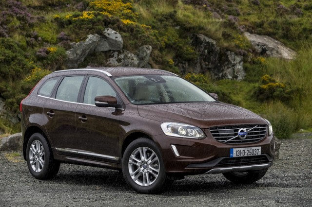 Car Reviews | Volvo XC60 | CompleteCar.ie