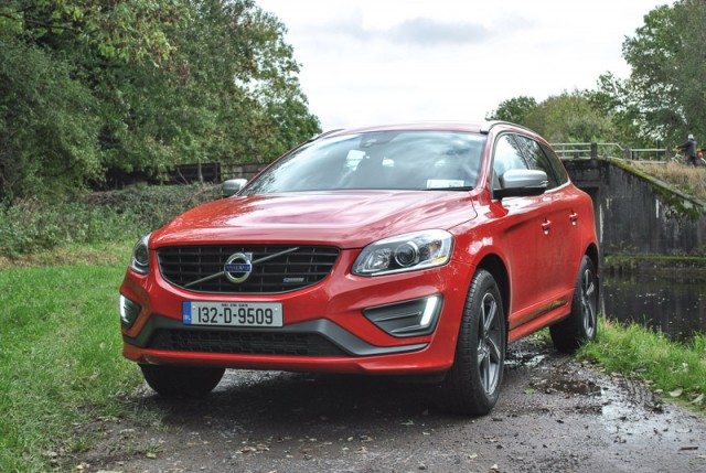 Car Reviews | Volvo XC60 R-Design | CompleteCar.ie
