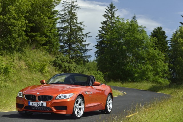 Car Reviews | BMW Z4 sDrive18i | CompleteCar.ie
