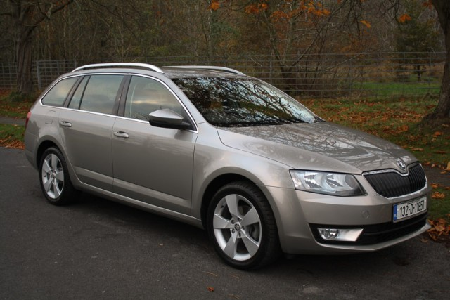 Car Reviews | Skoda Octavia Combi 4x4 | CompleteCar.ie