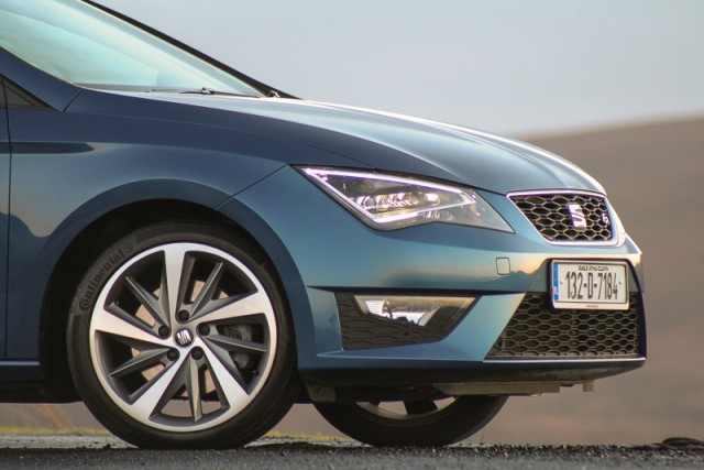 Car Reviews | SEAT Leon FR TDI | CompleteCar.ie