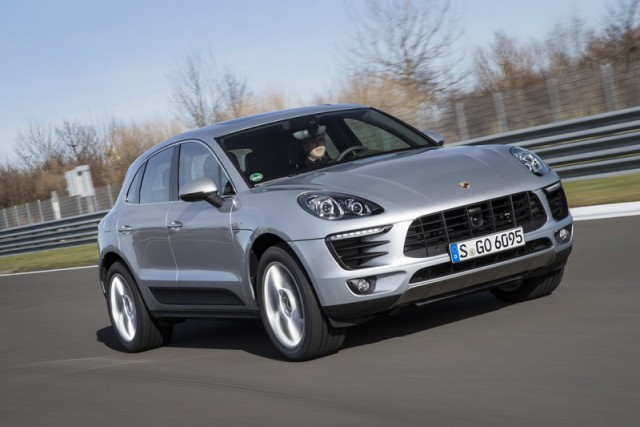Car Reviews | Porsche Macan S Diesel | CompleteCar.ie