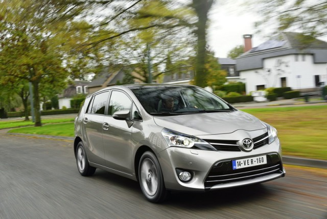 Car Reviews | Toyota Verso 1.6 D-4D | CompleteCar.ie