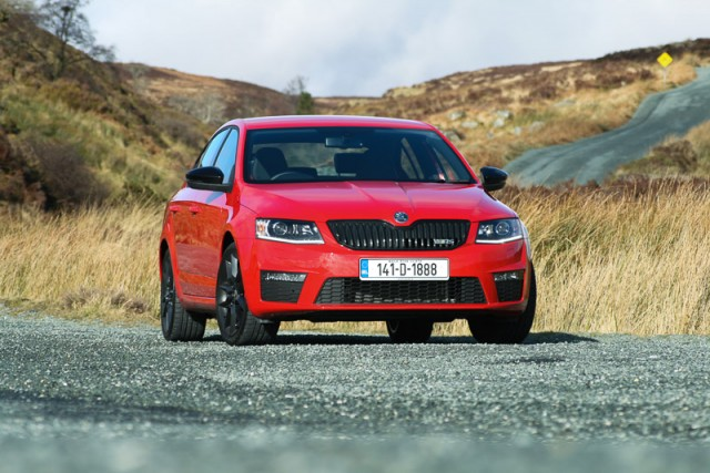 Car Reviews | Skoda Octavia RS TSI | CompleteCar.ie