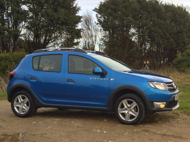 Car Reviews | Dacia Sandero Stepway | CompleteCar.ie