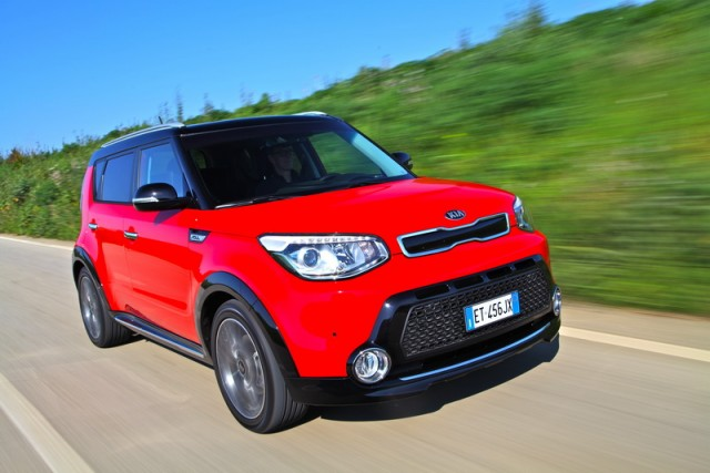 Car Reviews | Kia Soul | CompleteCar.ie