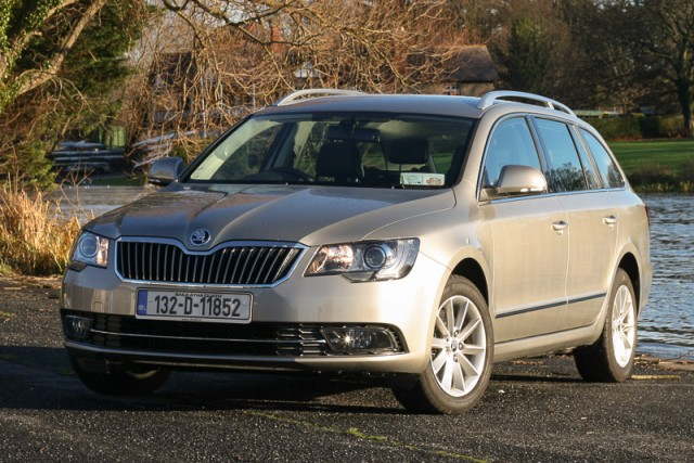 Car Reviews | Skoda Superb Combi 4x4 | CompleteCar.ie