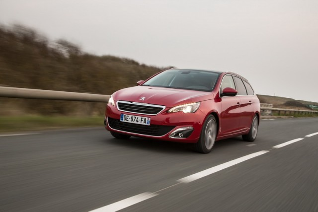 Car Reviews | Peugeot 308 SW | CompleteCar.ie