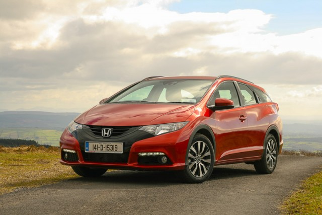 Car Reviews | Honda Civic Tourer | CompleteCar.ie