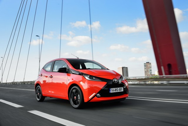 Car Reviews | Toyota Aygo | CompleteCar.ie