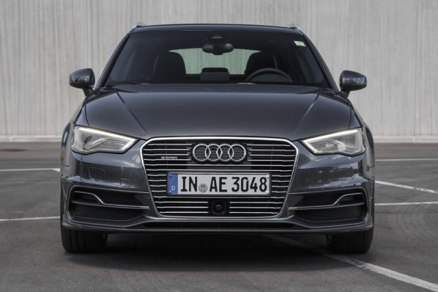 Car Reviews | Audi A3 Sportback e-tron | CompleteCar.ie