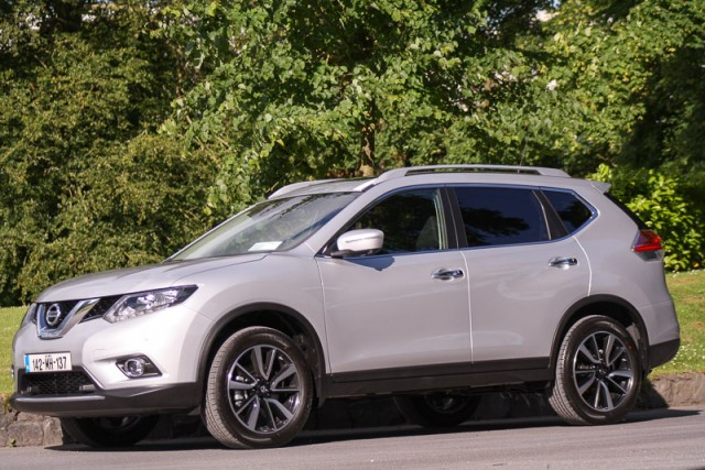 Car Reviews | Nissan X-Trail | CompleteCar.ie
