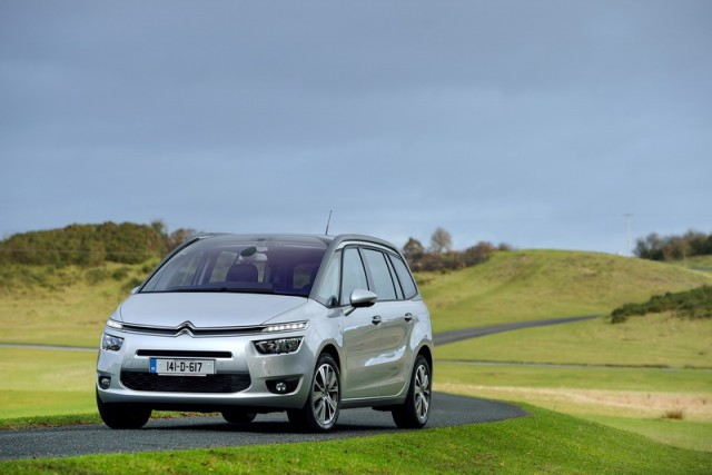 Car Reviews | Citroen C4 Grand Picasso | CompleteCar.ie