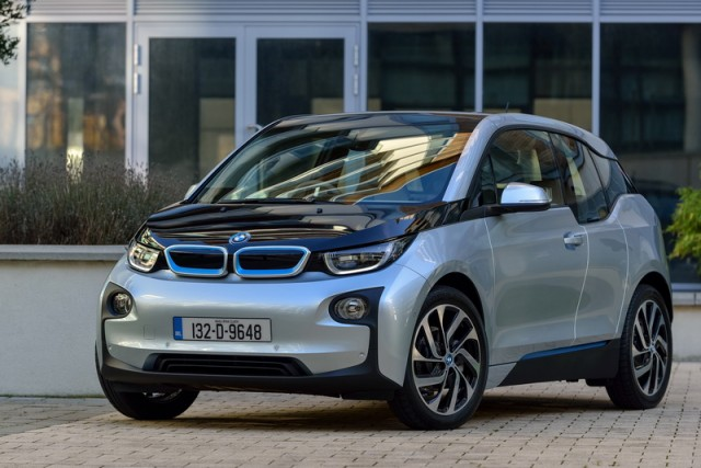 Car Reviews | BMW i3 | CompleteCar.ie