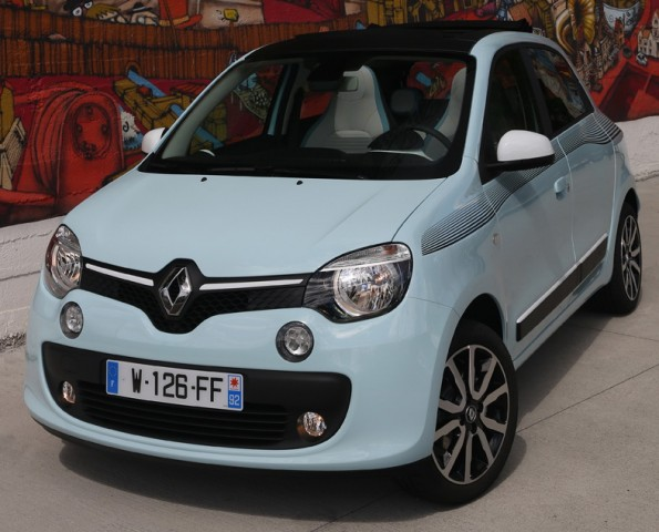 Car Reviews | Renault Twingo | CompleteCar.ie