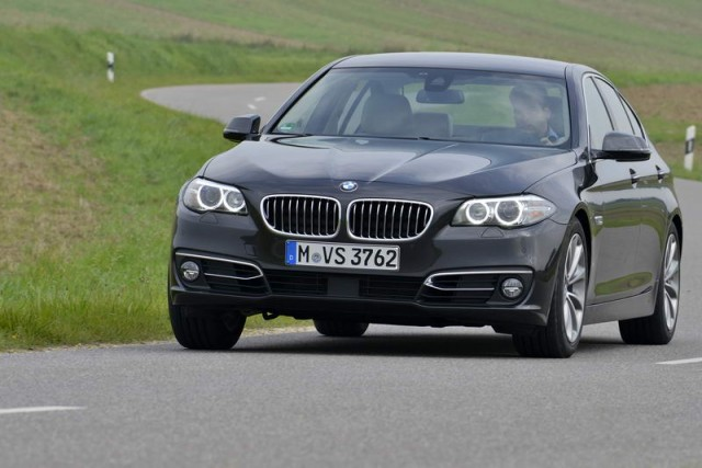 Car Reviews | BMW 518d | CompleteCar.ie