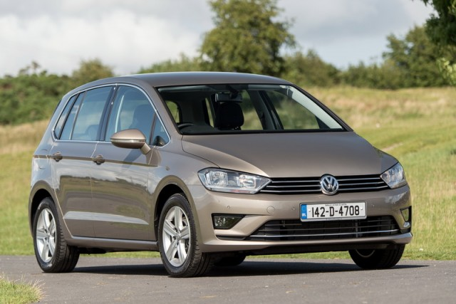 Car Reviews | Volkswagen Golf SV | CompleteCar.ie