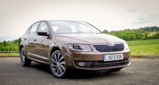 Car Reviews | Skoda Octavia L&K | CompleteCar.ie
