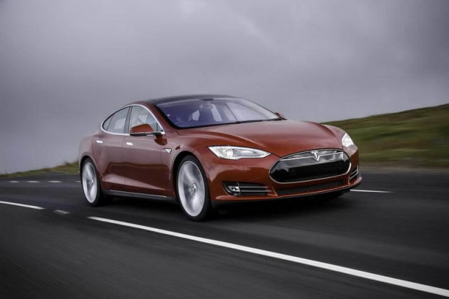 Car Reviews | Tesla Model S | CompleteCar.ie
