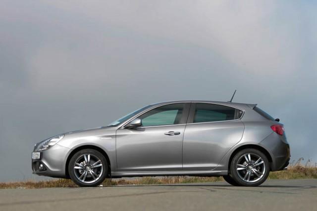 Car Reviews | Alfa Romeo Giulietta | CompleteCar.ie