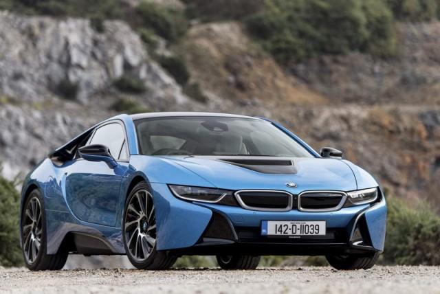 Car Reviews | BMW i8 | CompleteCar.ie