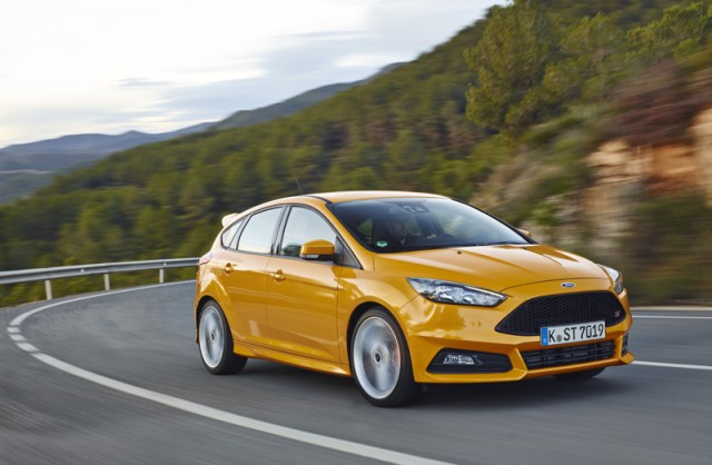 Car Reviews | Ford Focus ST TDCi | CompleteCar.ie