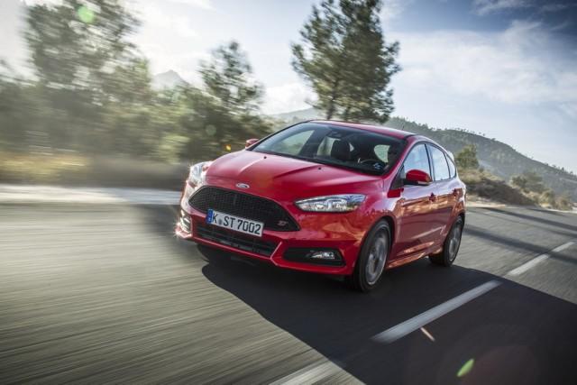 Car Reviews | Ford Focus ST | CompleteCar.ie
