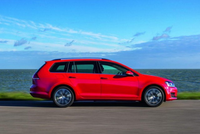 Car Reviews | Volkswagen Golf Mild Hybrid prototype | CompleteCar.ie